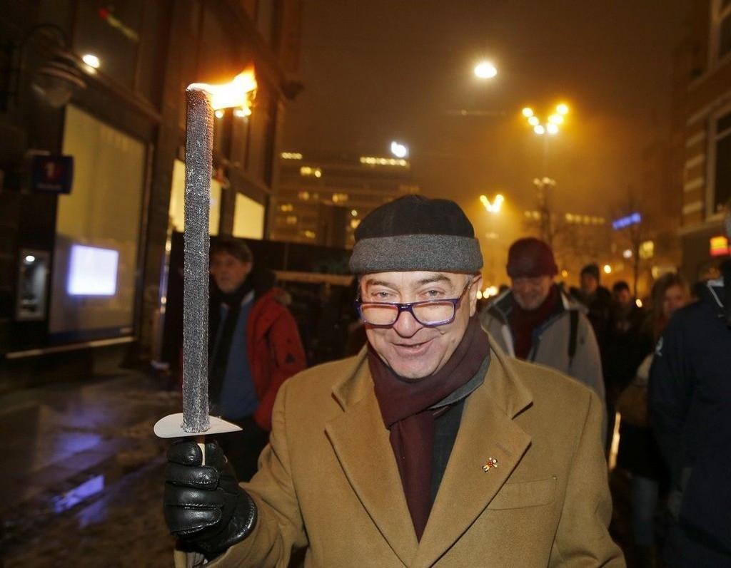 Ervin Kohn, leder av det mosaiske trossamfunn, under en demonstrasjon mot Pegida mandag. Kohn mener det er blitt helt umulig med en debatt om ytringsfrihet etter Charlie Hebdo.