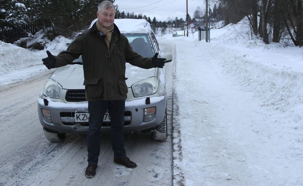 Geir Hågen Karlsen (Frp) mener det er håpløst at fagmiljøet foreslår å gjøre det tre ganger så dyrt å passere bomringen i Oslo.