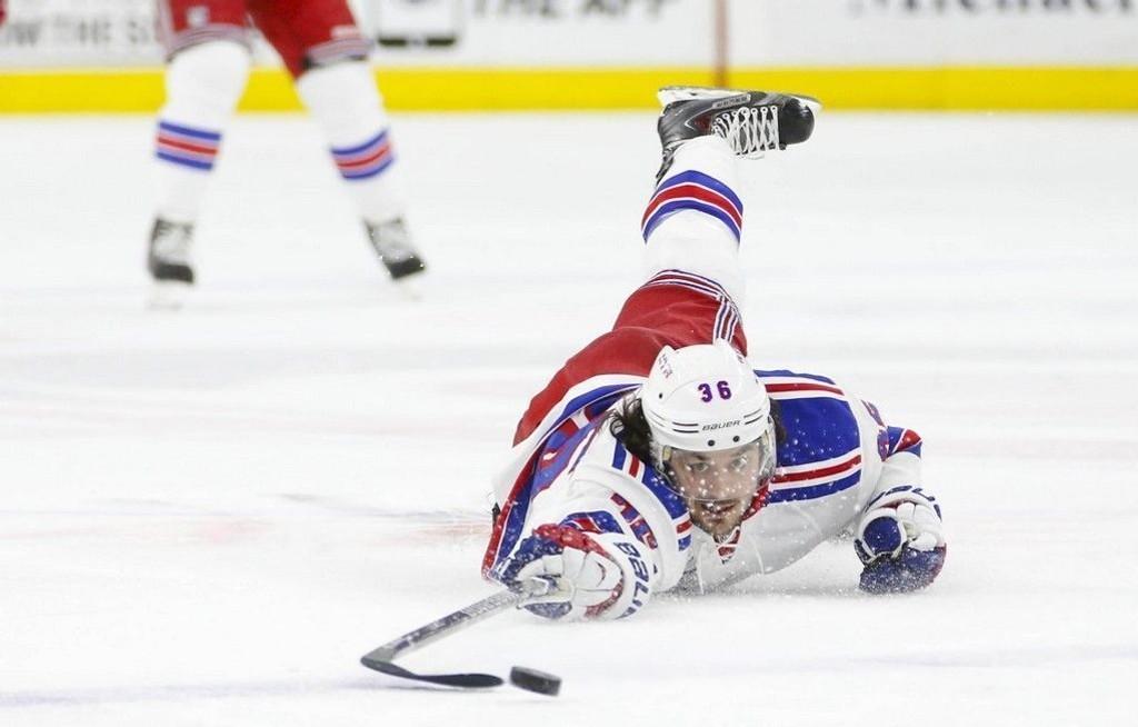Mats Zuccarello (bildet) har hatt en trøblete uke i NHL. Etter en rekke med 13 seirer på 14 kamper har de to siste kampene har endt med 0-3-tap.
