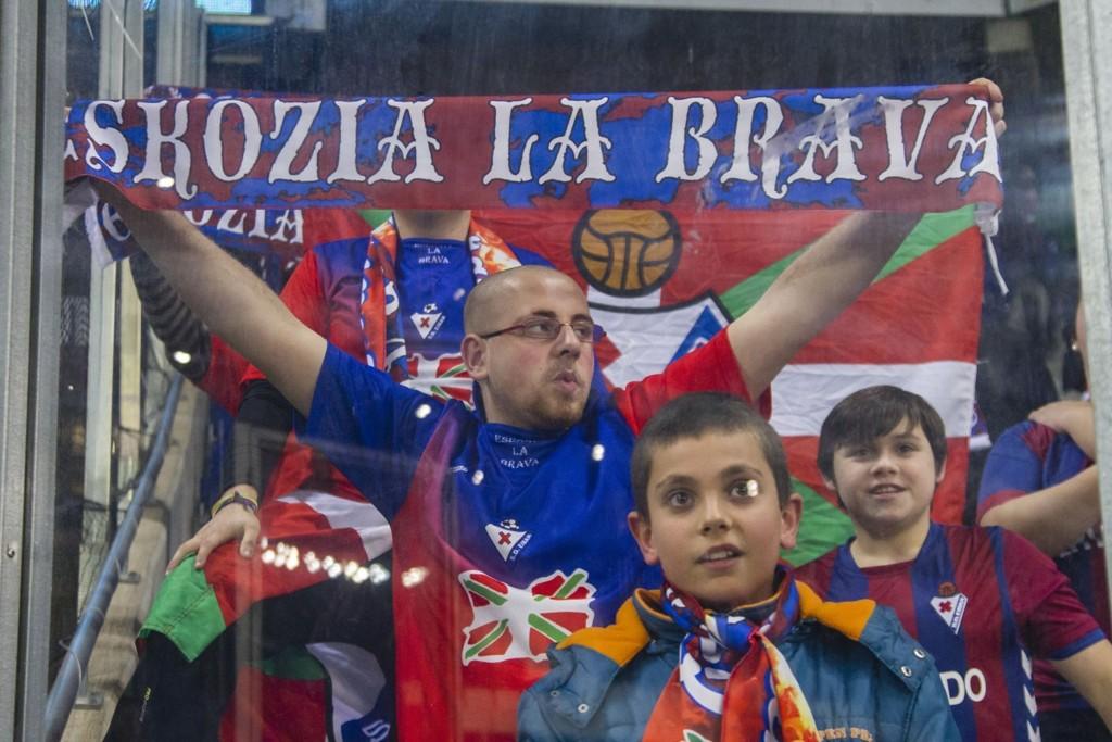 TROR KNAPT DET DE SER: Eibar-fansen lever i en konstant drømmeverden denne sesongen.