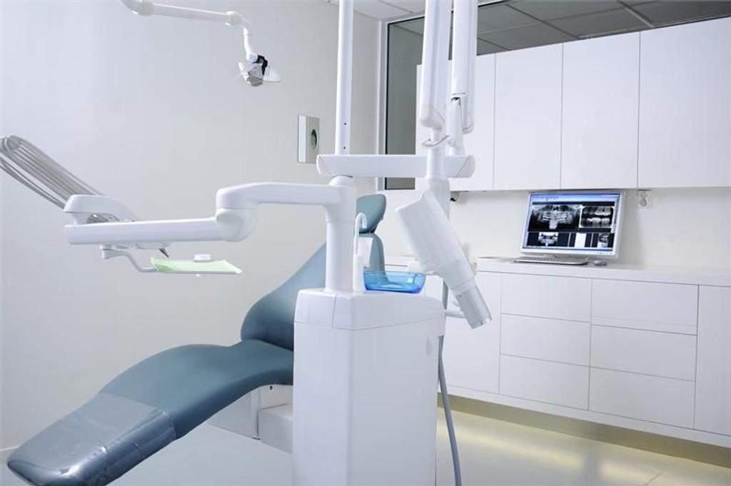 Investeringer i forbindelse med lokaler og utstyr er noe av det som er med på å bestemme prisene hos hver enkelt tannlege.