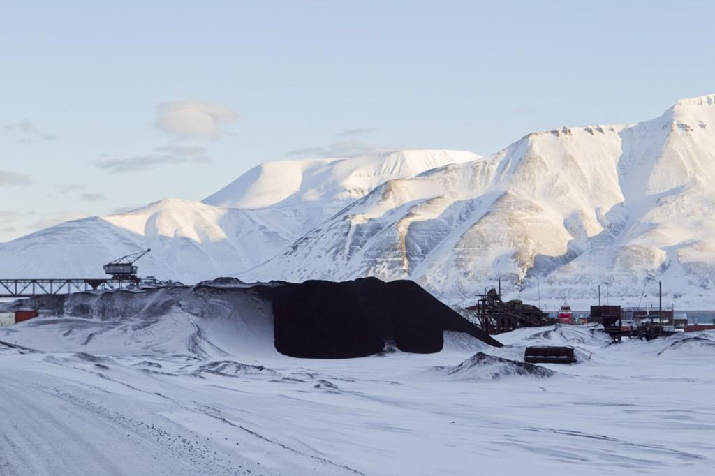 Kullselskapet Store Norske ber staten om 450 millioner kroner i lån for å sikre videre drift. Bildet er fra Longyearbyen på Svalbard der selskapet holder til.