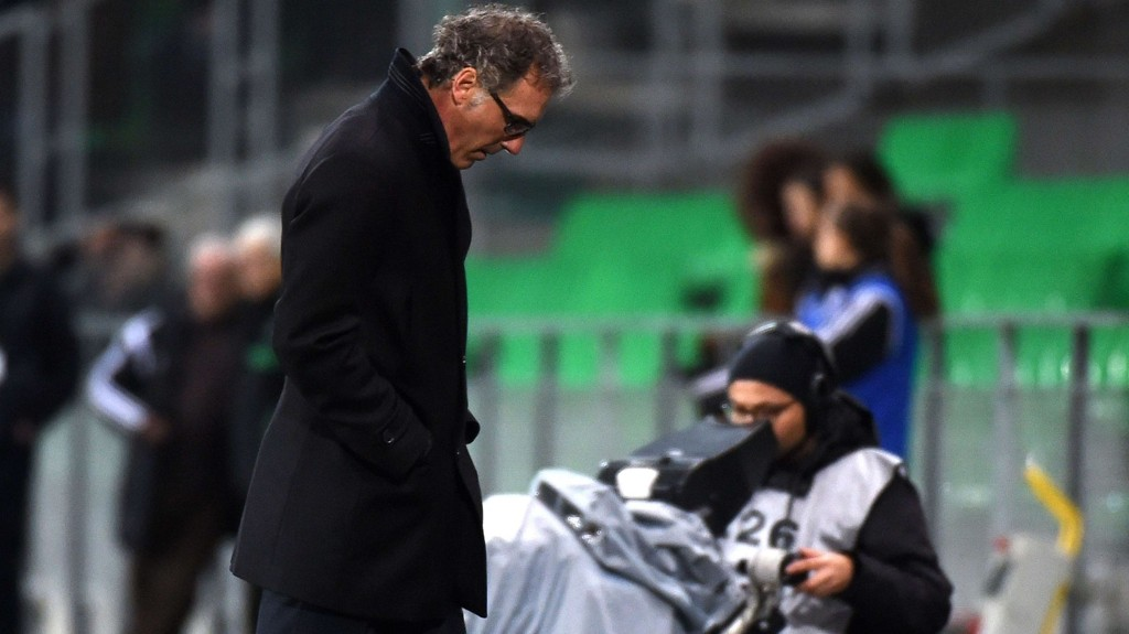 Paris Saint-Germain's French head coach Laurent Blanc attends the French Ligue Cup football match between Saint-Etienne (ASSE) and Paris Saint-Germain (PSG) on January 13, 2105 at the Geoffroy-Guichard stadium in Saint-Etienne. AFP PHOTO / PHILIPPE DESMAZES