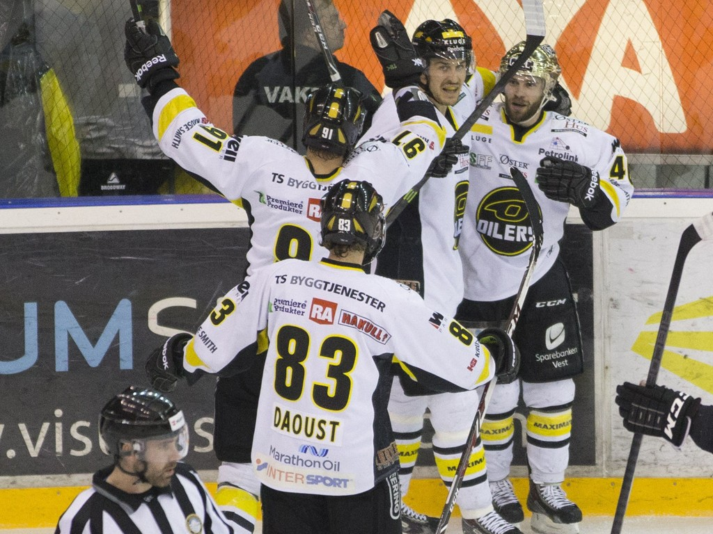 LETT MATCH: Klasseforskjellen mellom Stavanger Oilers og Kongsvinger Knights er betydelig. Bedre ble det ikke da hedmarkingene knapt hadde spilere til å stille lag.