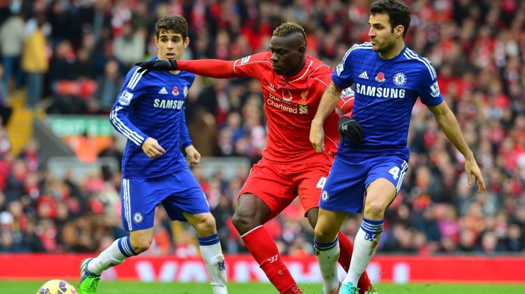 Liverpool og Chelsea barker sammen på Anfield i semifinalen i ligacupen tirsdag. Lørdag kveld spiller rødtrøyene mot Bolton i FA-cupen. Begge kampene sendes på TV 2 Sport Premium.