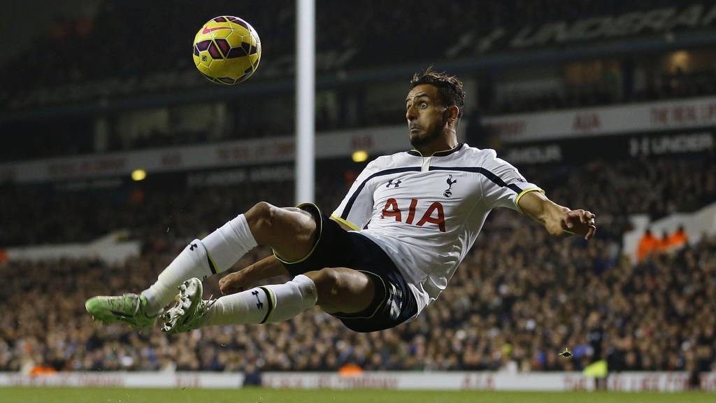 IMPONERER: Nacer Chadli har vært blant Tottenhams beste spillere denne sesongen.