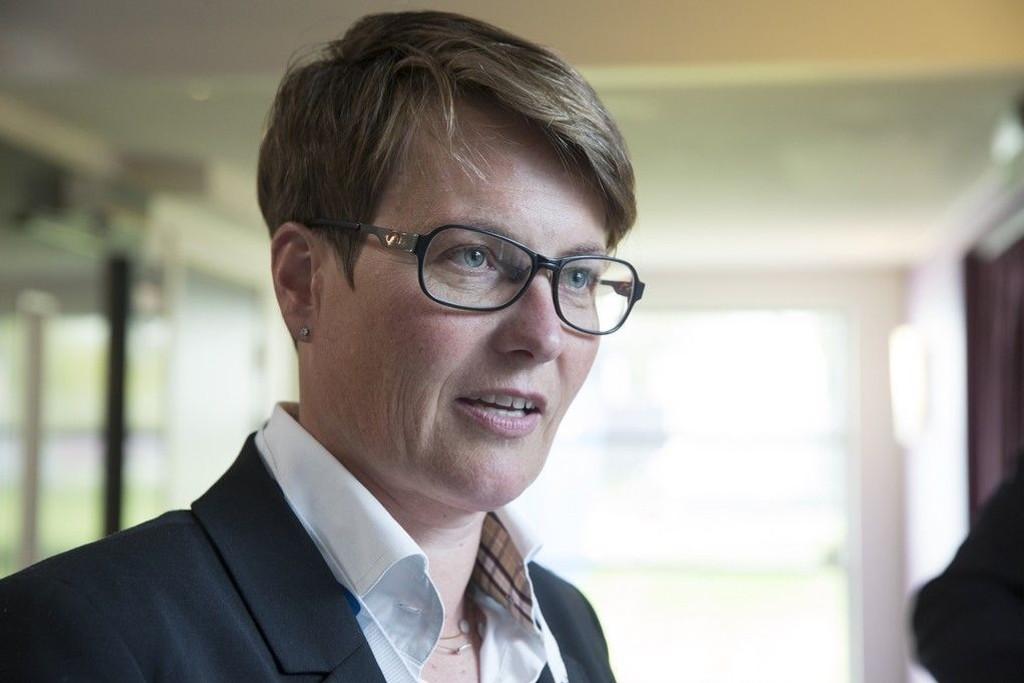Klima- og miljøminister Tine Sundtoft (H) har fastsatt en ny grense for iskanten som går lengre mot nord enn tidligere. Det er godt nytt for oljeindustrien.