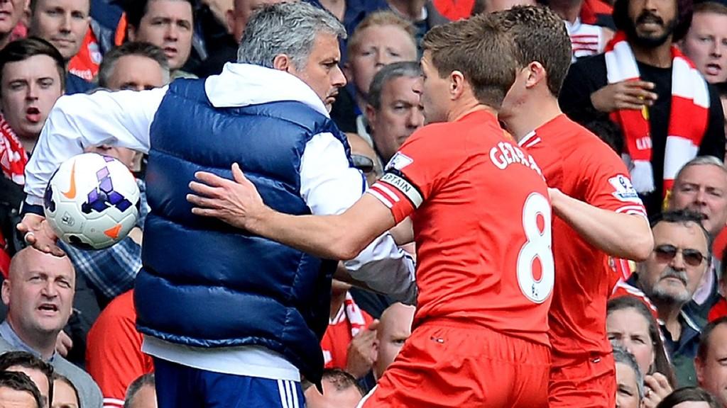 Chelsea-manager José Mourinho i en opphetet duell med Liverpool-kaptein Steven Gerrard i et tidligere møte mellom lagene.