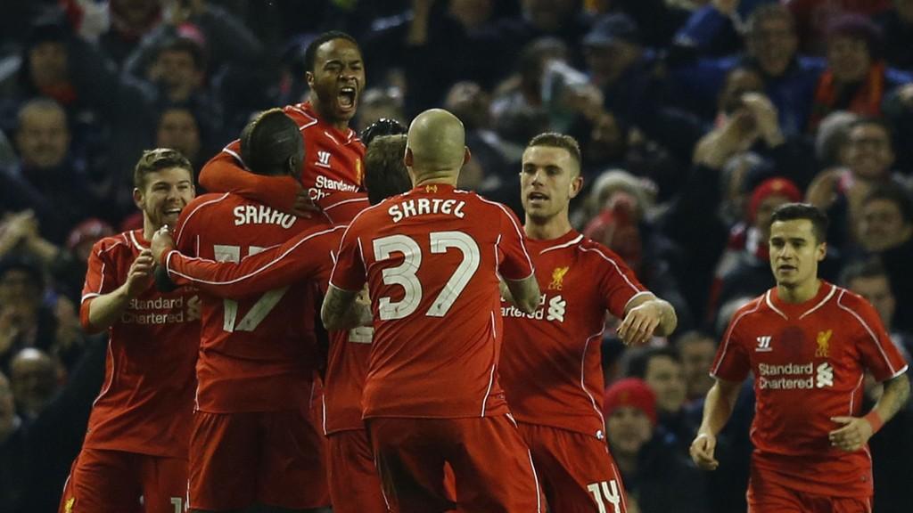 UTLIGNET: Raheem Sterling utlignet for Liverpool mot Chelsea.
