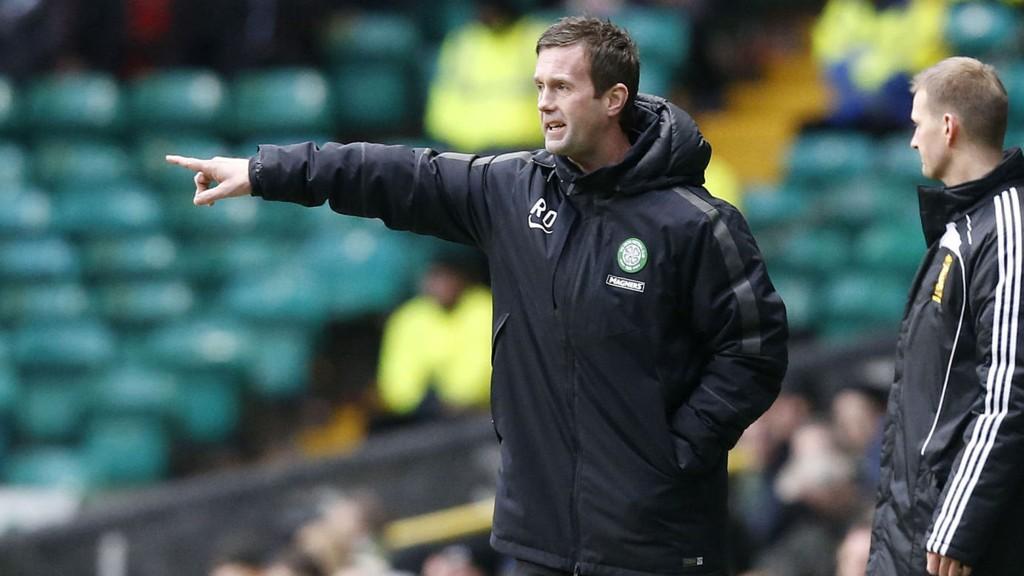Ronny Deilas Celtic er store favoritter i kveldens kamp mot Motherwell, men vi garderer oppgjøret og håper på en overraskelse.