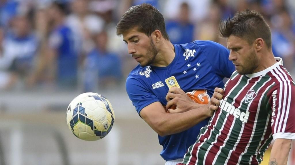 Real Madrid har sikret seg den brasilianske midtbanespilleren Lucas Silva på en kontrakt fram til sommeren 2020.