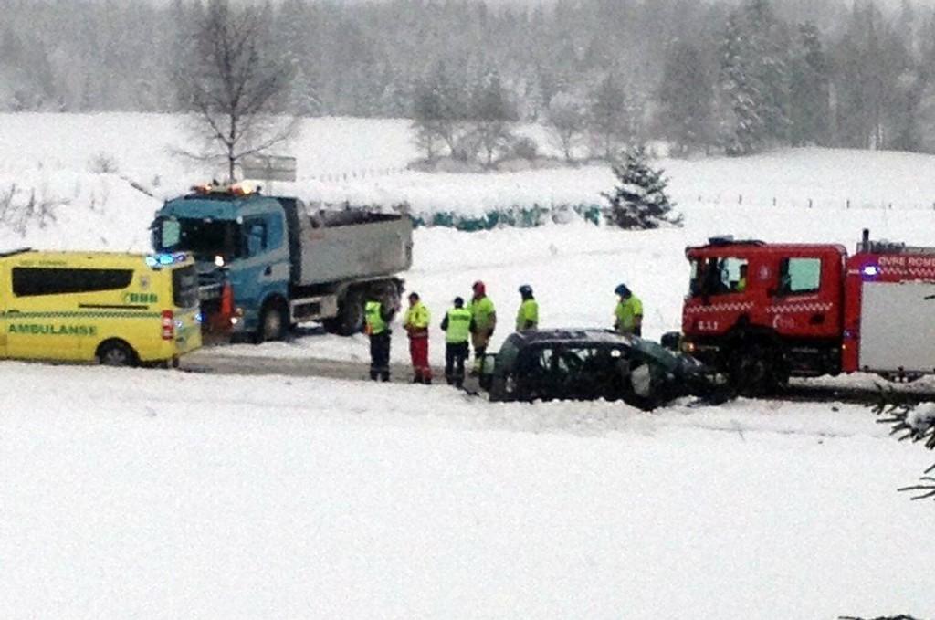 MØTEULYKKE: En person fraktet til Ahus med ambulanse.