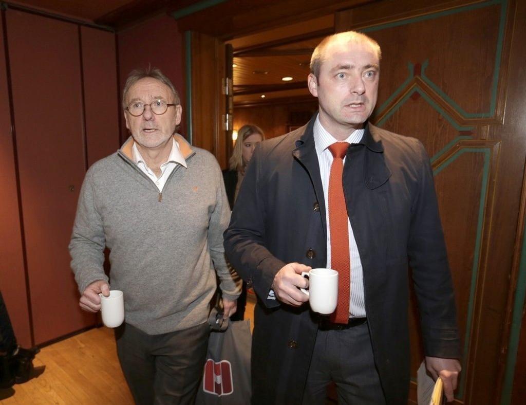 Arbeidsminister Robert Eriksson (til høyre) mener onsdagens storstreik er politisk motivert. Her på Unios Tariffseminar 2015 sammen med Unio-leder Anders Folkestad.