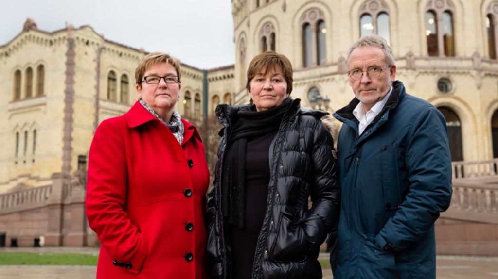 De tre lederne for fagorganisasjonene som i morgen streiker, får hard medfart av Nettavisens lesere. Her fra venstre Jorunn Berland (YS), Gerd Kristiansen (LO) og Anders Folkestad (Unio).