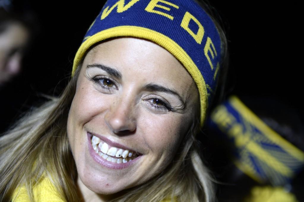 OLYMPISK MESTER: Anna Haag slo igjennom med to sølvmedaljer under OL i Vancouver i 2010. Her smiler hun etter OL-gullet i stafett i Sotsji fire år senere.