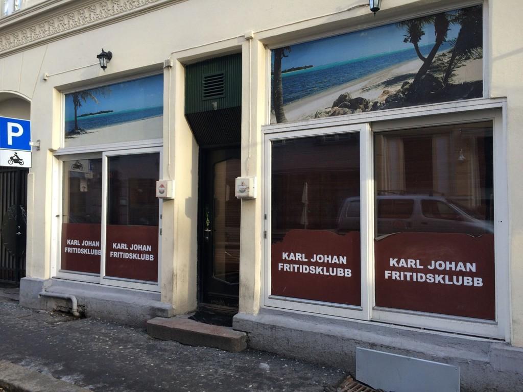 Karl Johan fritidsklubb ble stengt etter at politiet fant store mengder smuglersprit.