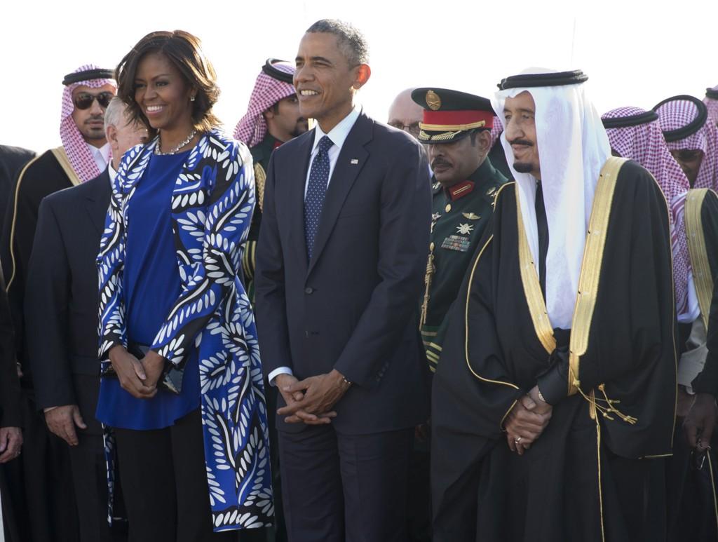 Michelle og Barack Obama var tirsdag i Saudi-Arabia for å vise sin respekt for den avdøde kong Abdullah, og for å hilse på hans etterfølger, kong Salman.