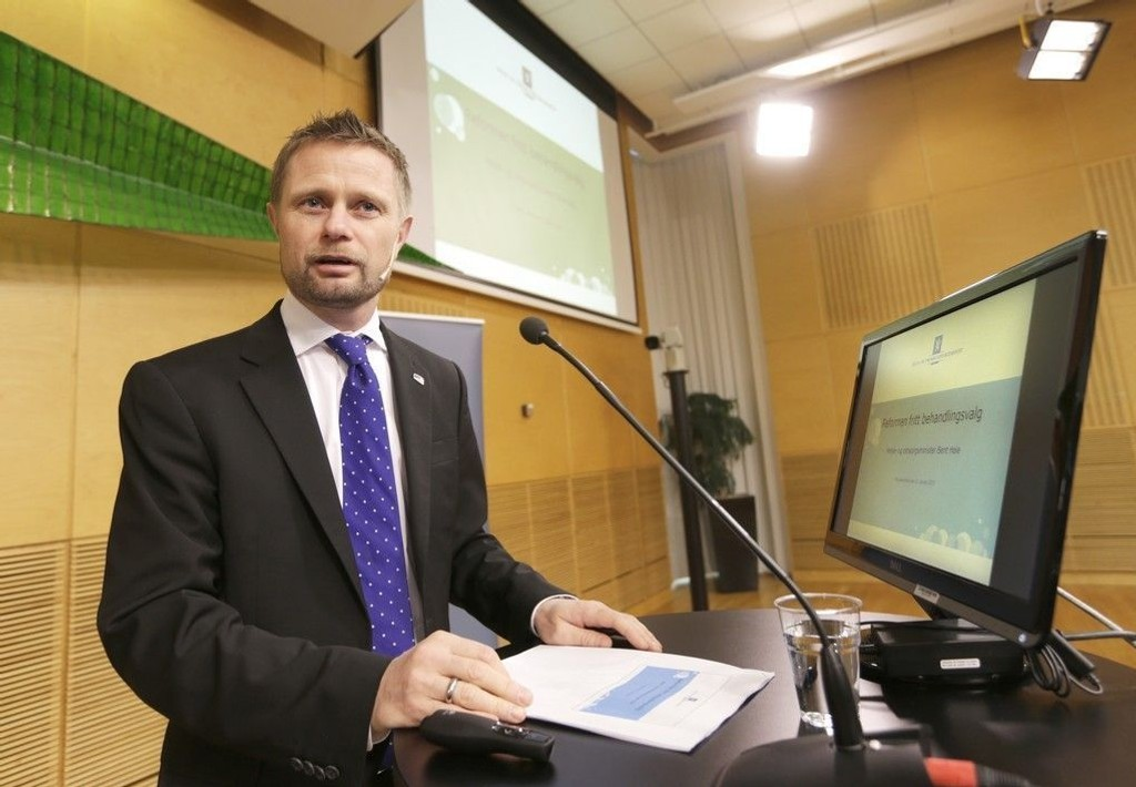 Helseminister Bent Høie (H) legger en strategi for å få bukt med antibiotikaresistens.