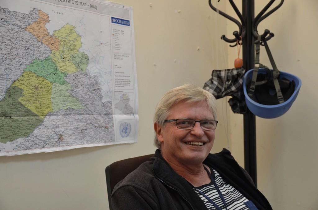 BLE EVAKUERT: Odd Einar Olsen ble evakuert fra Kirkuk til Arbil etter en natt med med skyting og harde kamper i oljebyen Kirkuk. Her er han avbildet på FN-kontoret sitt i Kirkuk før han måtte forlate byen.