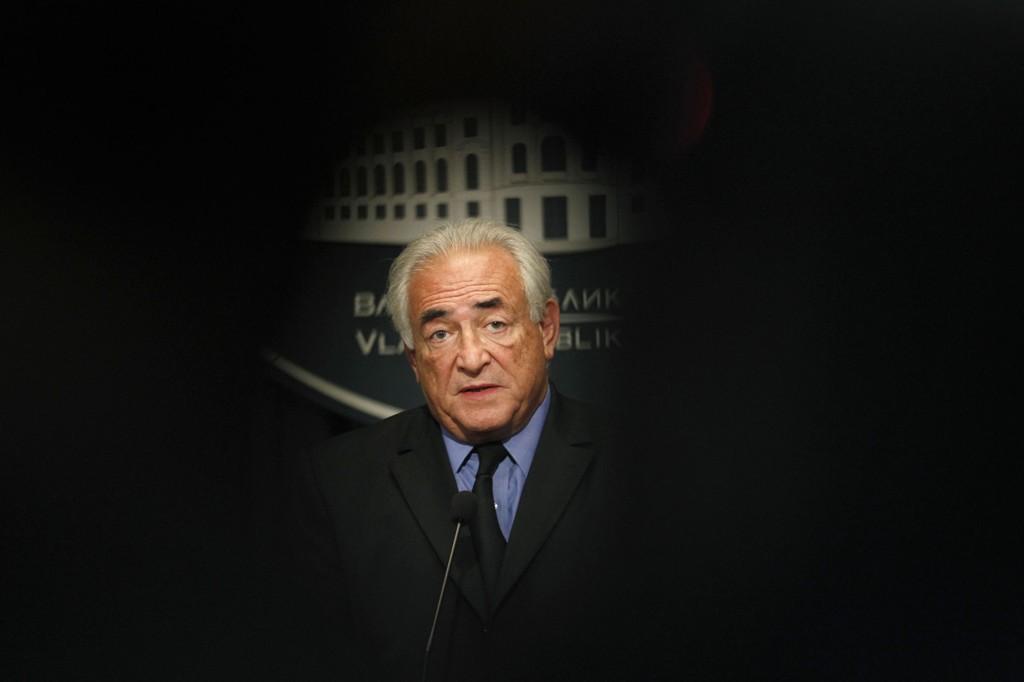 Tidligere IMF-direktør og politiker Dominique Strauss-Kahn (65) er tiltalt for hallikvirksomhet. mandag starter rettssaken.