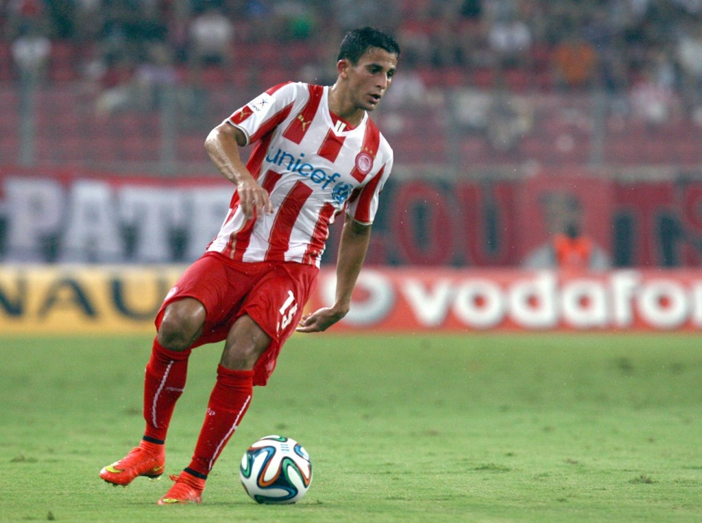 STO BAK MÅL: Omar Elabdellaoui var delaktig i Olympiakos 2-0-seier mot Veroia da han serverte Mathieu Dossevi like før slutt.
