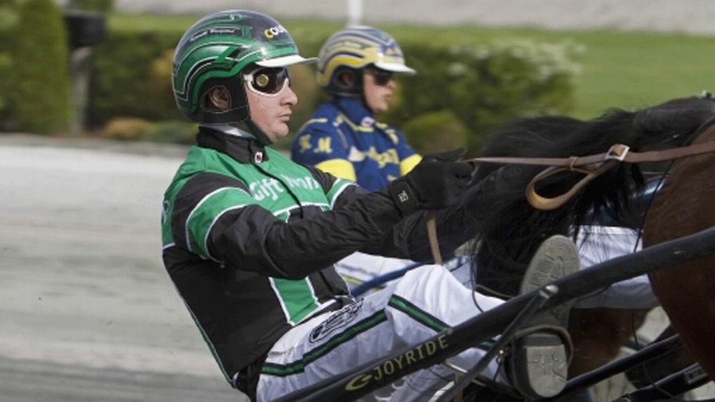 Kenneth Haugstad kjører en av dagens tyngste favoritter i lunsjen på Eskilstuna.