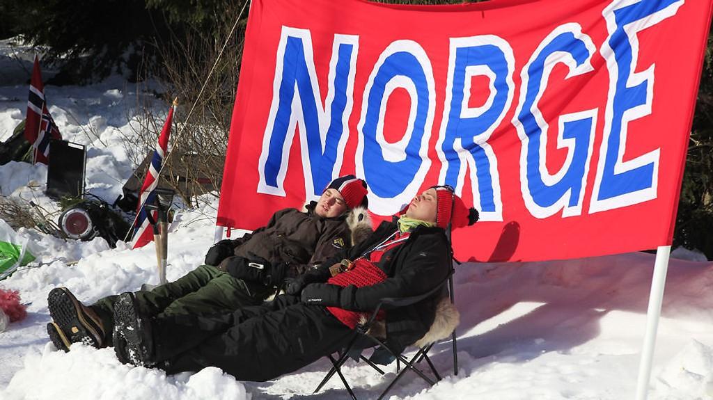 LATE?: Nordmenn får så hatten passer av norsk toppleder.