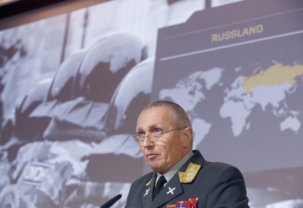 Sjef for Etteretningstjenesten, generalløytnant Kjell Grandhagen la fram årets vurdering fra etterretningstenesten.
