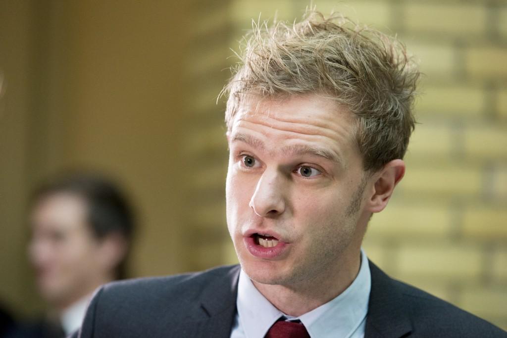 Snorre Valen (SV) mener Øystein Olsens tale viser at SV har rett.