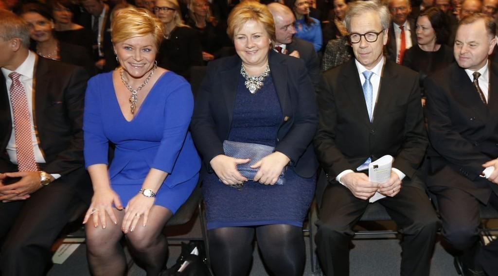 Erna Solberg vil følge sentralbanksjefens råd.