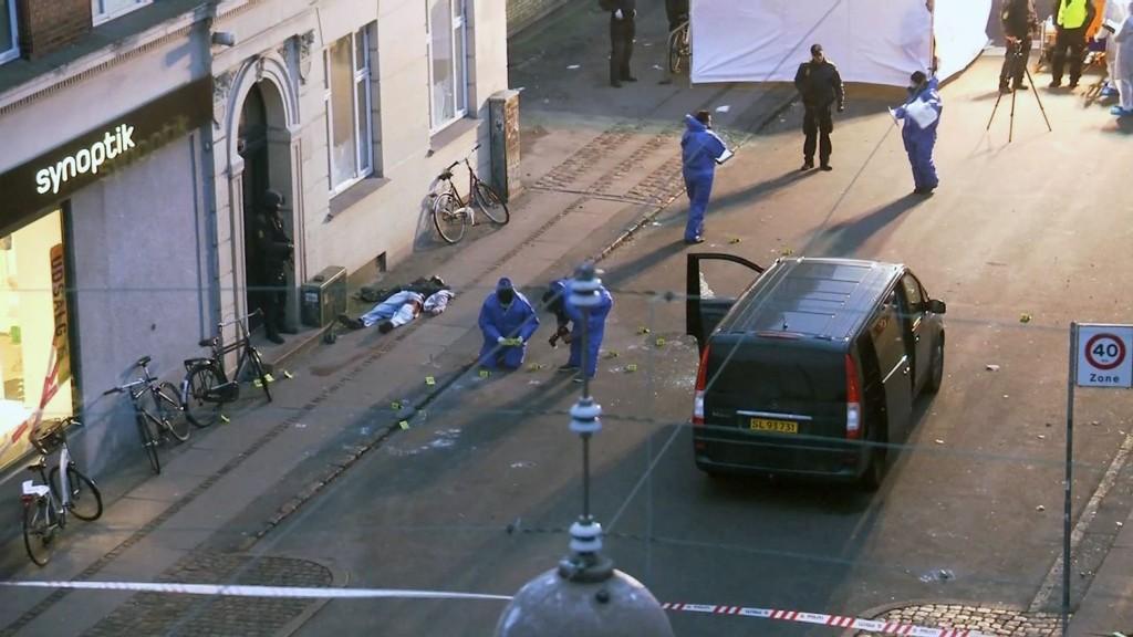 Den antatte gjerningsmannen ble skutt og drept av dansk politi natt til søndag. Han er nå identifisert som en 22 år gammel mann.