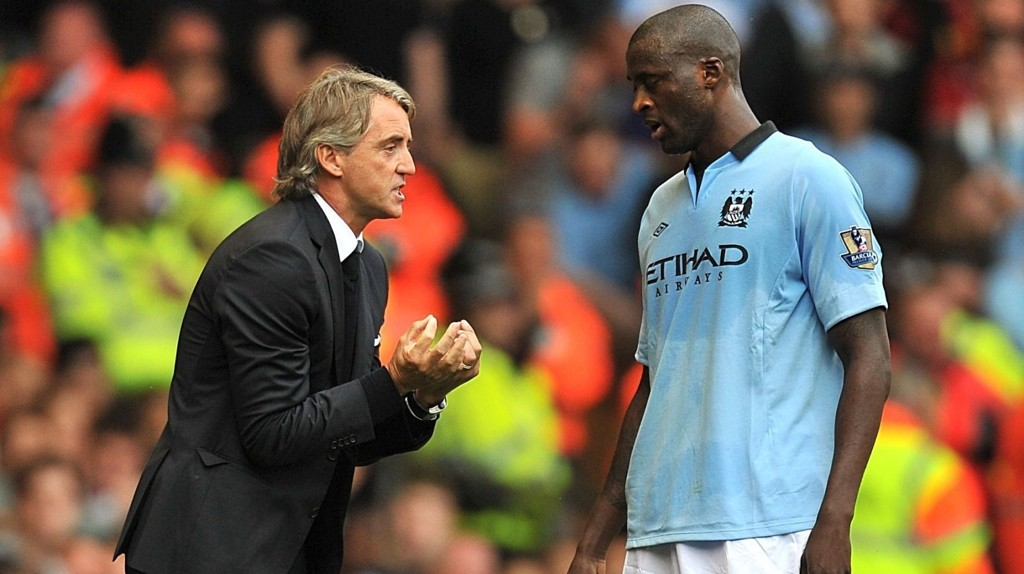 GJENFORENES: Igjen spekuleres det i om Yaya Touré vi forlate Manchester City. Tidligere City-manager Roberto Mancini (t.v.) vil mer enn gjerne gjenforenes med sin tidligere elev i Inter.