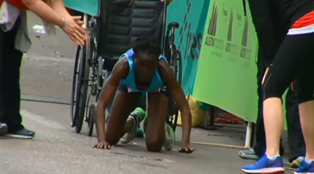 GA SEG IKKE: Det var bronsevinneren Hyvon Ngetich som stjal showet under Texas-maraton.