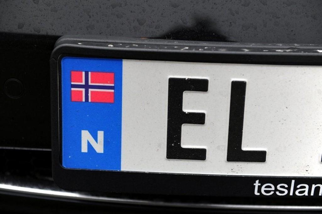 AVGIFTSSJOKK: Mye dyrere å hurtiglade EL-bilen i Sverige.