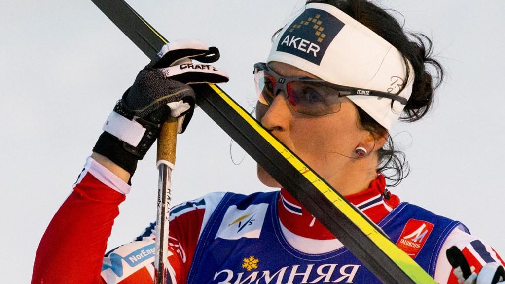SKIDRAMA: Marit Bjørgen tok noen vågale skivalg under sprinten. Det betalte seg.