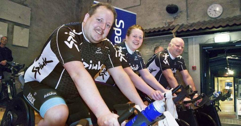 SKAL GI ALT: Tony Olsen (f.v.), Kari Anne Eikenes og Arne Mellingsæter har startet opptreningen. 13. juni skal de utrente syklistene sykle enten selve Farrisrunden på 67 kilometer eller lavterskeltilbudet Sparebank1-runden på 19 kilometer.