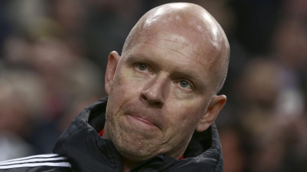 UTE: Henning Bergs Legia er ute av Europa League etter å ha tapt 4-0 sammenlagt mot Ajax.