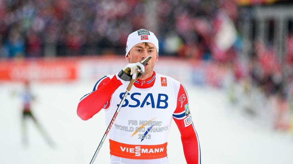 HYSJ: Petter Northug fant igjen på noen sprell ved målgang. Denne gang hysjet han.