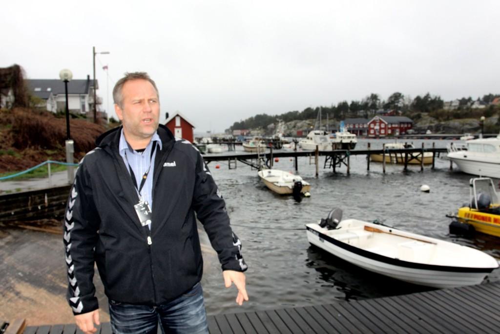 BÅT-ADVARSEL: Politiets Terje Bøe har lenge ledet et prosjekt mot omreisende båtbander. Nå advarer politiet mot en slik bande, som skal være på vei mot Norge.