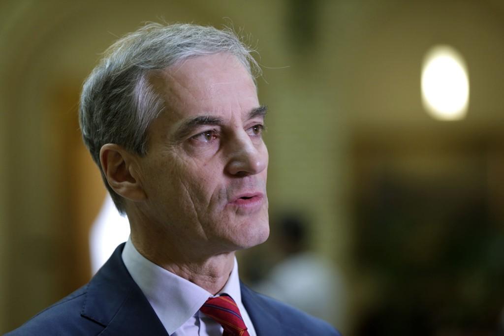 Ap-leder Jonas Gahr Støre tar nobelvalget til etterretning.