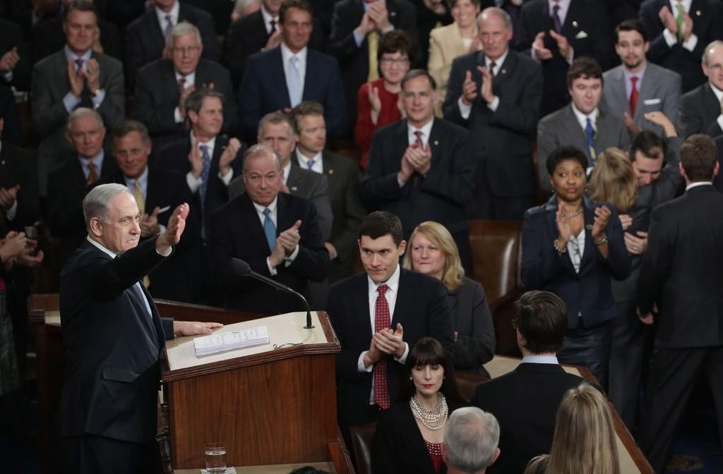 Israeli statsminister Benjamin Netanyahu holdt tale for Kongressen i USA til stående applaus.