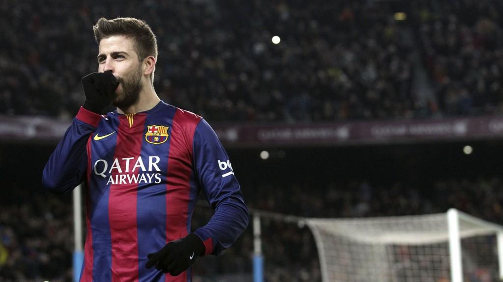 FIKK BOT: Barcelonas Gerard Piqué må betale 90.000 kroner i bot for å ha skjelt ut to politifolk som bøtela hans bror.