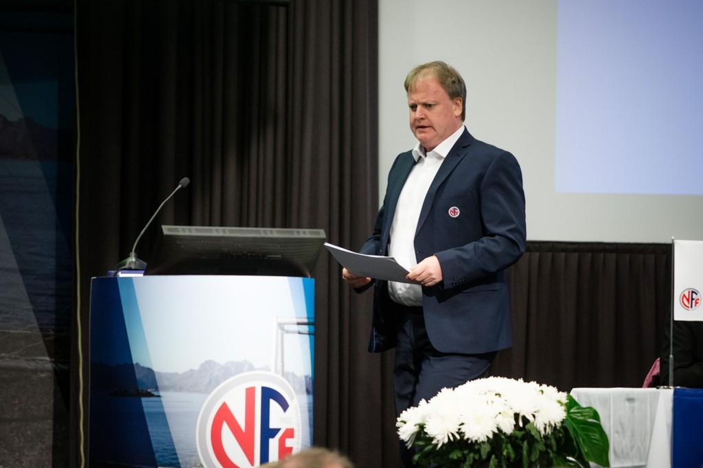 NYE REGLER: Yngve Hallen er med på å bestemme nye regler for fotballen i Norge.