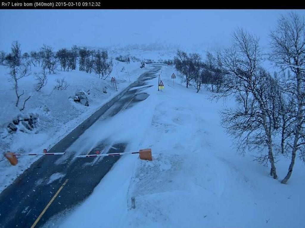 STENGT: Leiro-bom på Riksvei 7 over Hardangervidda er stengt tirsdag på grunn av uvær.