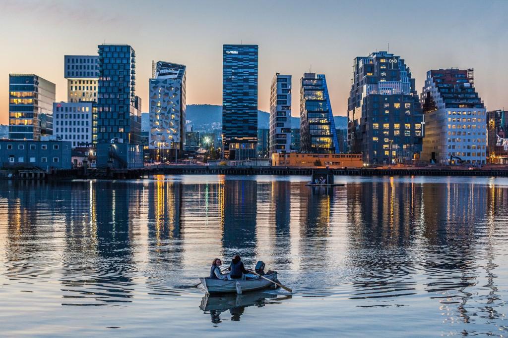 Arbeiderpartiet og Høyre går rett i strupen på hverandre. Begge parter mener at den andre fører en usosial politikk for Oslo.