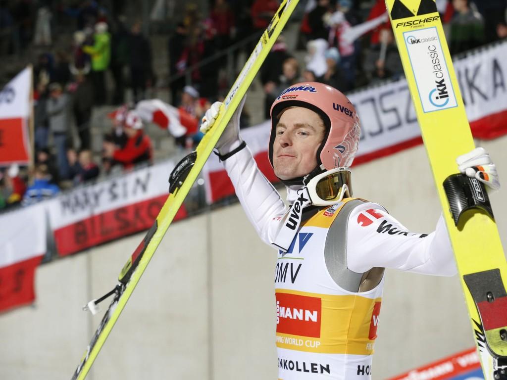 I STORFORM: Severin Freund tok sin andre seier på like mange dager i Holmekollen søndag.