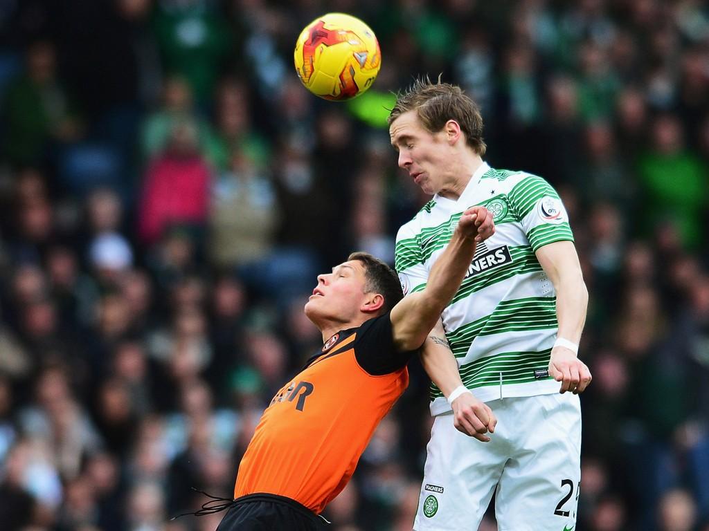 CUPTRIUMF: Stefan Johansen spilte 90 minutter i ligacupfinlaen mot Dundee United og bidro til at Celtic vant sin første tittel med norsk manager.