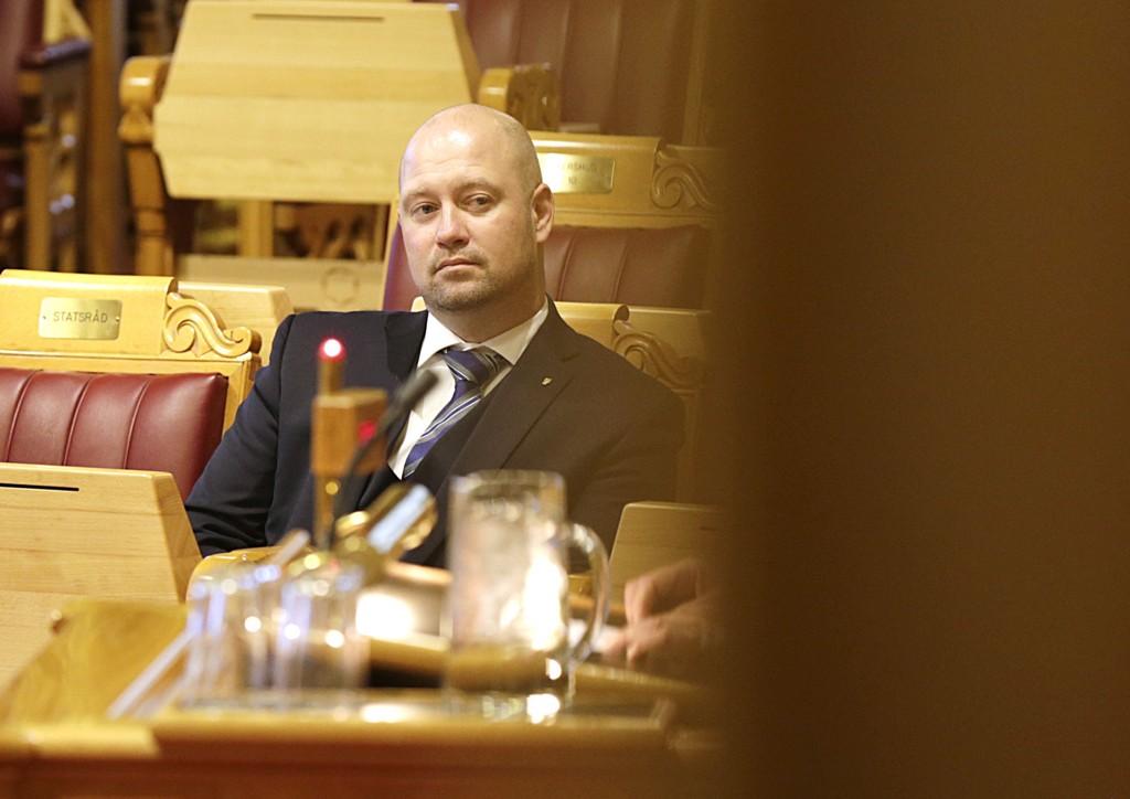 De rødgrønne har mistillit til justisminister Anders Anundsen (Frp), men de kommer ikke til å få flertall i Stortinget til å skape regjeringskrise.