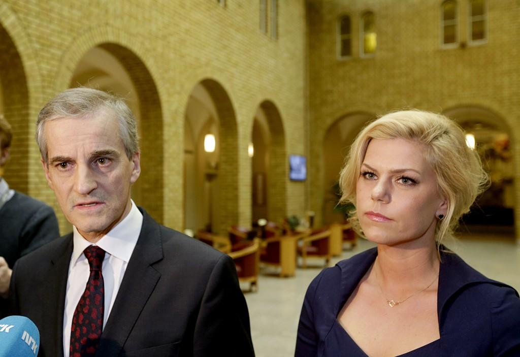 FREMMER MISTILLIT: Ap-leder Jonas Gahr Støre og Jette Christensen i kontroll- og konstitusjonskomiteen forklarte hvorfor de ikke har tillit til justisministeren.