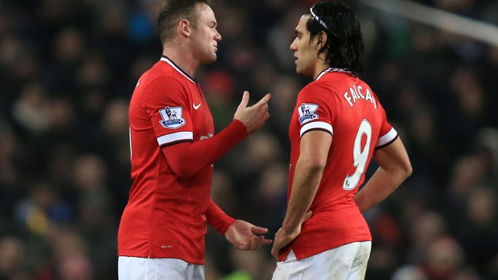 Manchester Uniteds Radamel Falcao skal være ønsket av Premier League-rivaler. Her sammen med Wayne Rooney.